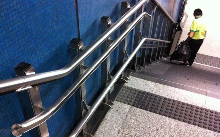 Qui achète des monte-escaliers d'occasion à vendre